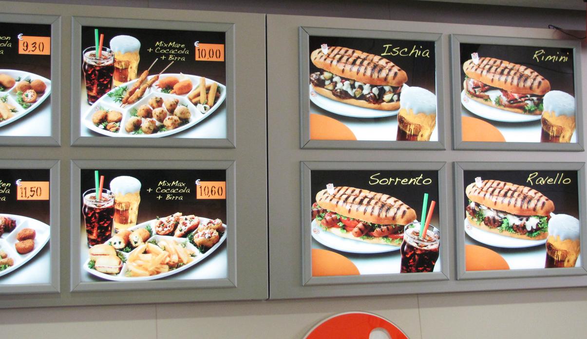 Allestimento punto vendita for Arredamento per fast food